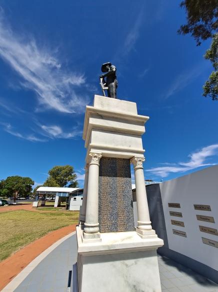 Oakey ANZAC Memorial. Copyright Lloyd Marken.